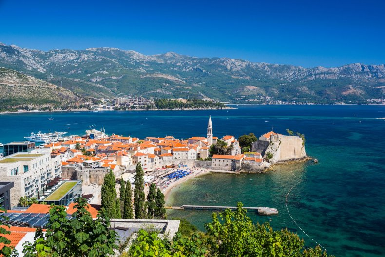 What are the casinos in Montenegro for playing